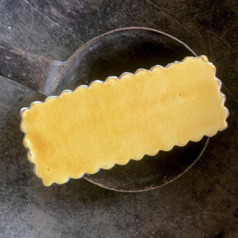 échantillon jaune suspek