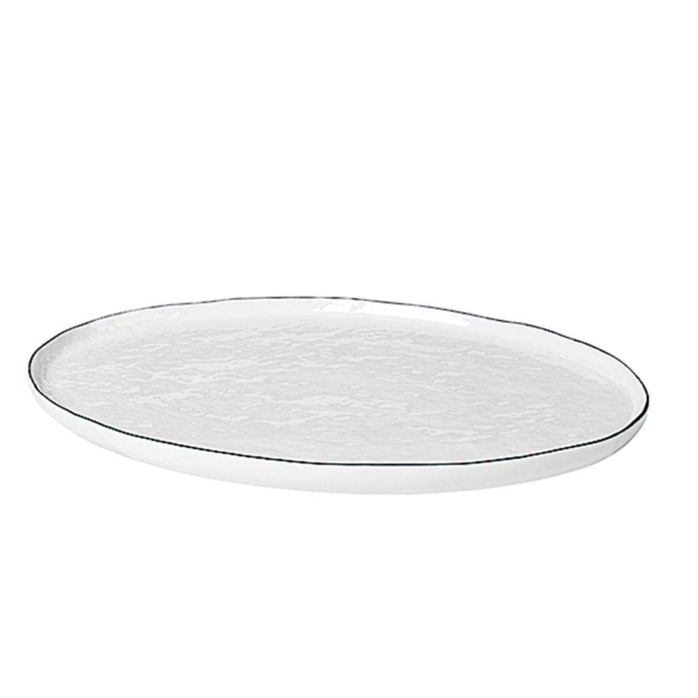 plat oval salt fond blanc
